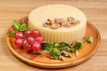 «Mucca d'Oro» (с добавлением пажитника) - Fratelli Spirini - производство сыров в Екатеринбурге