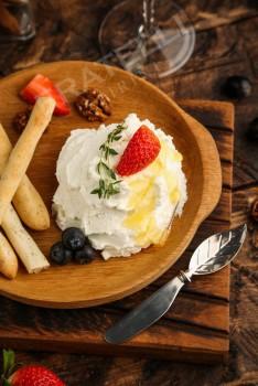 Нежный сыр из козьего молока - Fratelli Spirini - производство сыров в Екатеринбурге